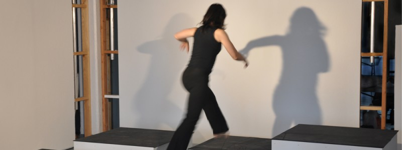Propositional Workshop #1 (2011). Performed by Elaine Angelopolous. ©Nina Horisaki-Christens
